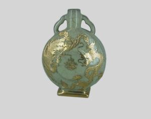 金镶玉宝月瓶